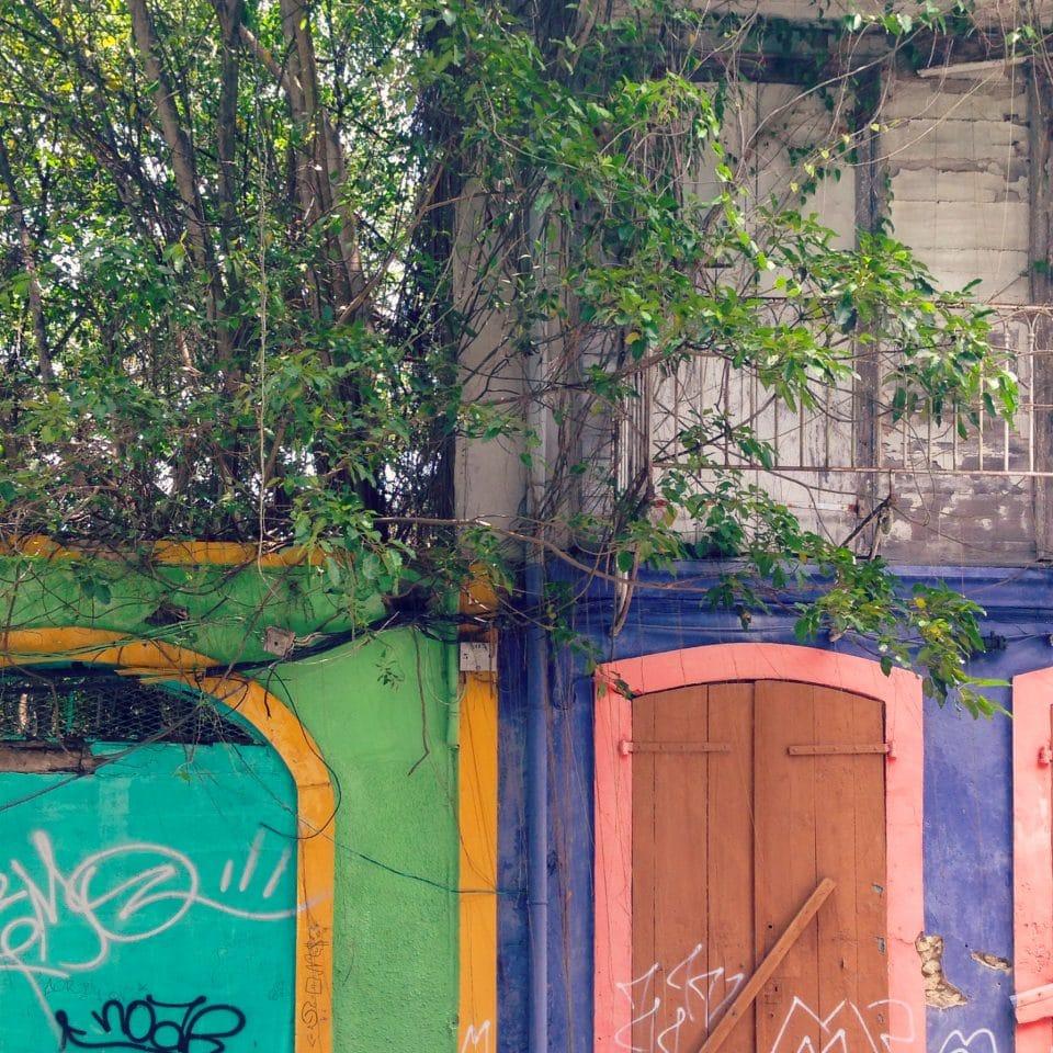pointe à pitre, guadeloupe, poésie, façade
