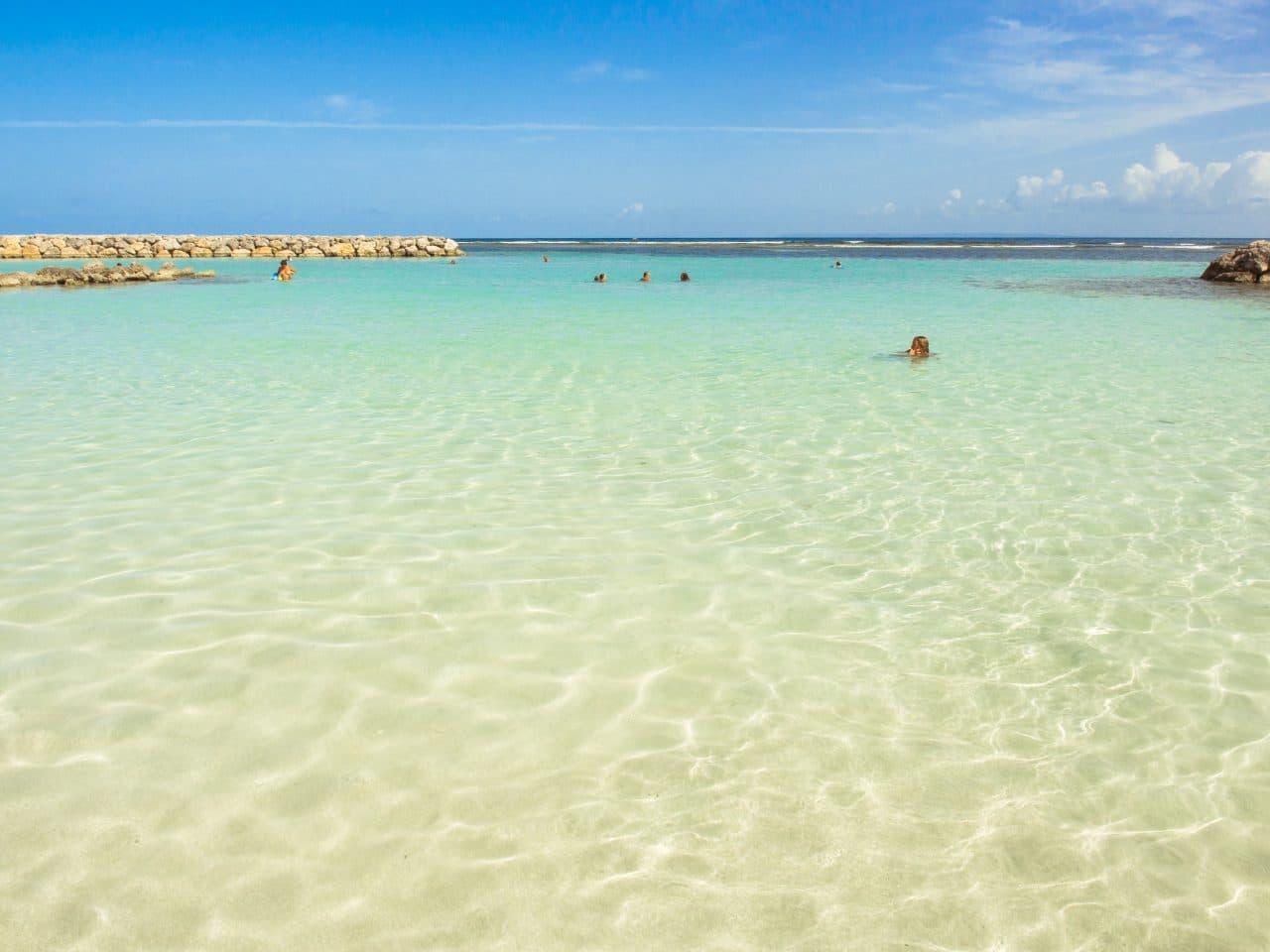 eaux turquoises, sainte anne, guadeloupe