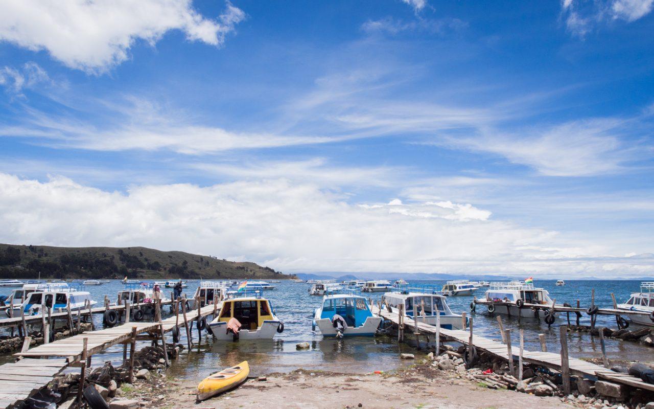 le lac titicaca-ferry isla del sol copacabana -isla del sol bolivie