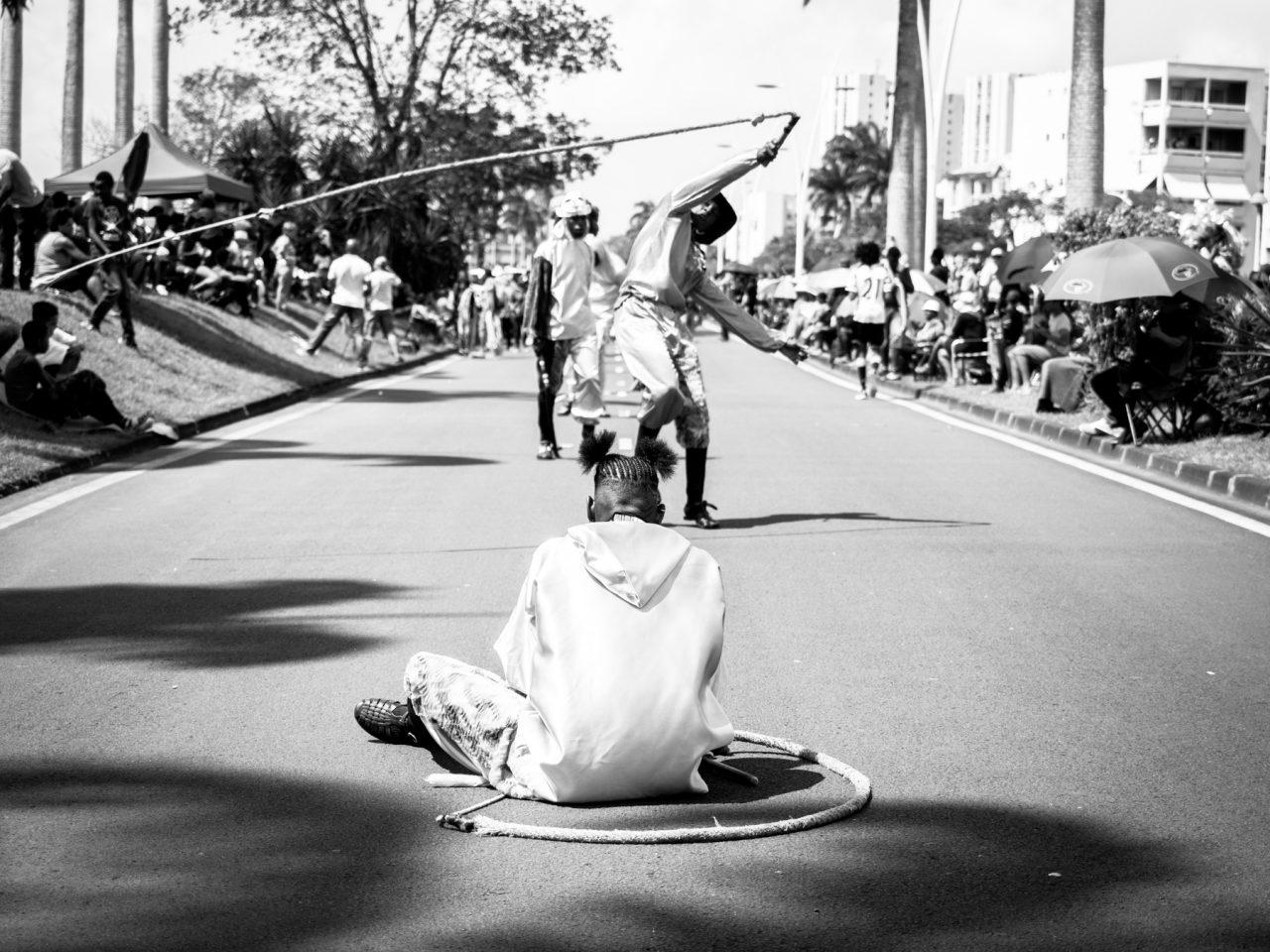 guadeloupe carnaval-photo noir et blanc de carnaval en guadeloupe