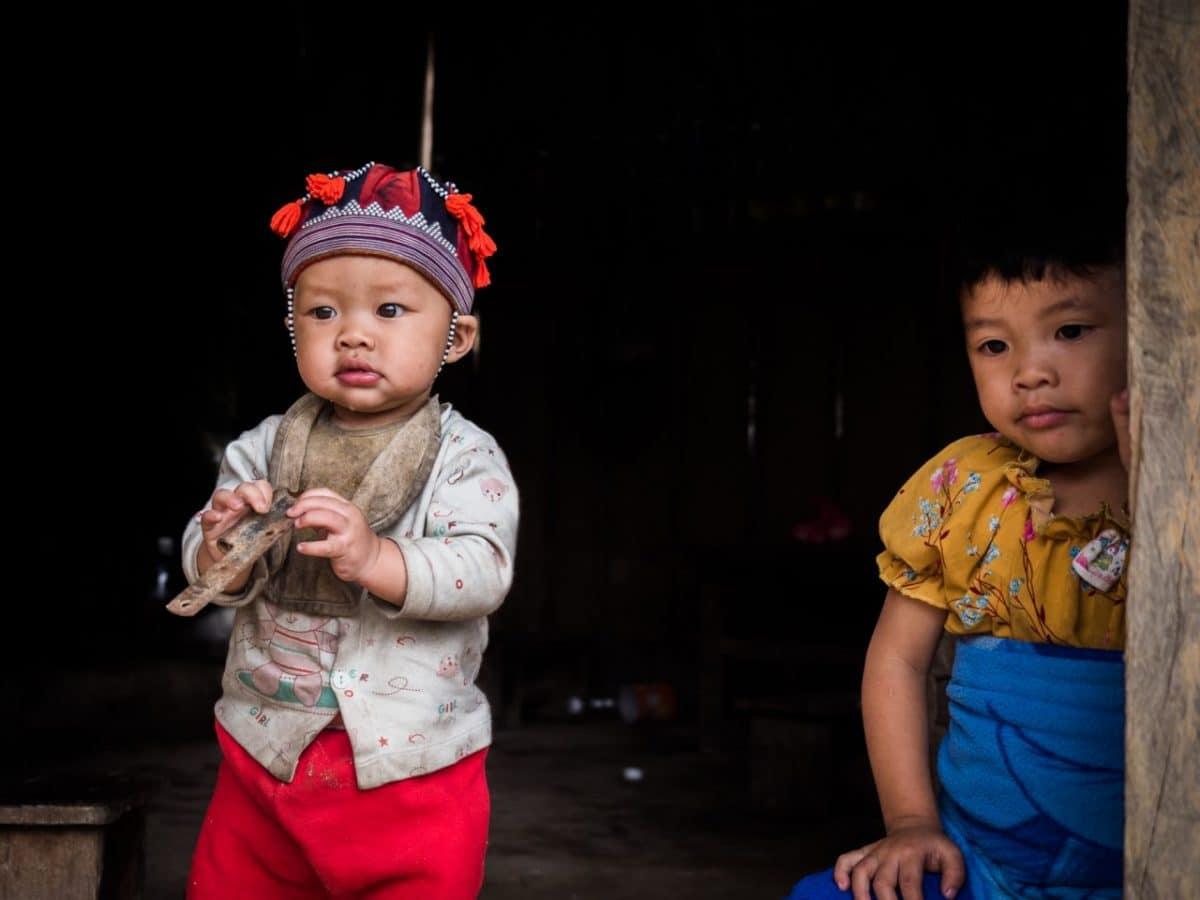 portrait Enfants vietnamiens-voyage vietnam nord -voyage-ethnies minoritaires vietnam--bébé dzao