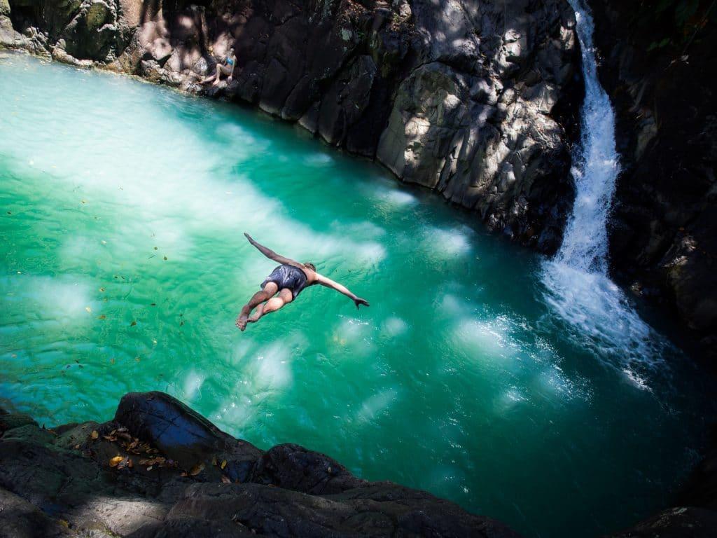 rivière d acomat & saut d acomat-cascade le saut d acomat-guadeloupe foret tropicale