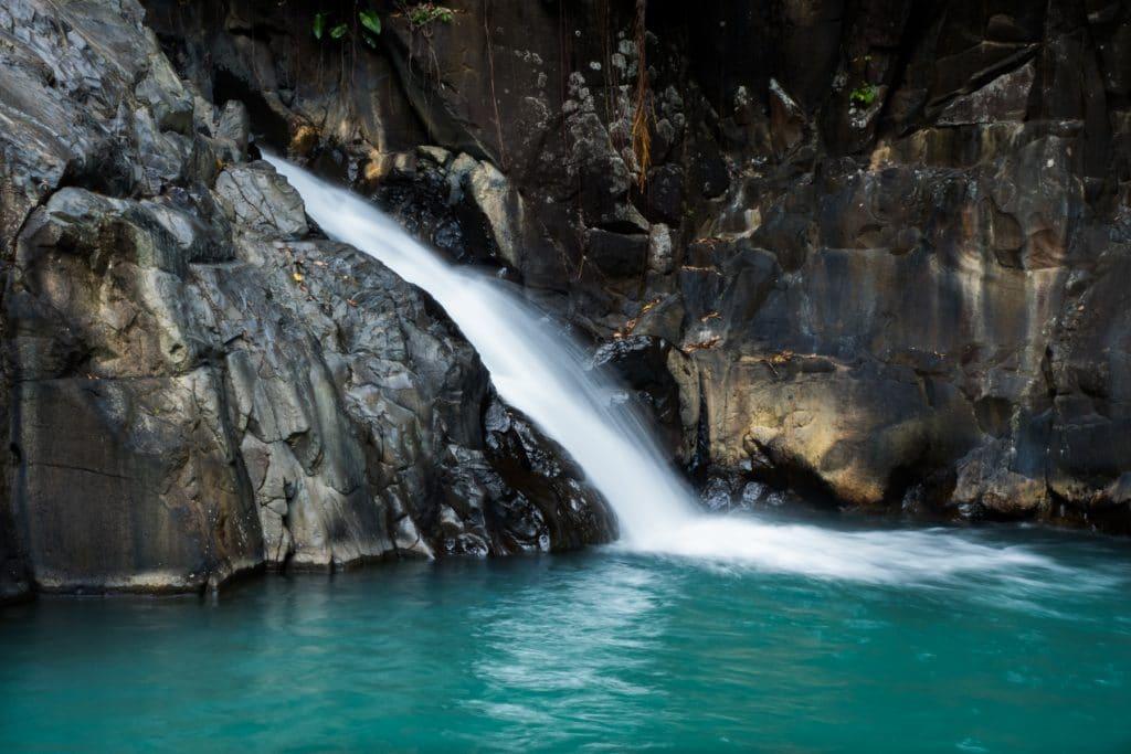 cascade le saut d acomat-saut d acomat guadeloupe-foret tropicale guadeloupe