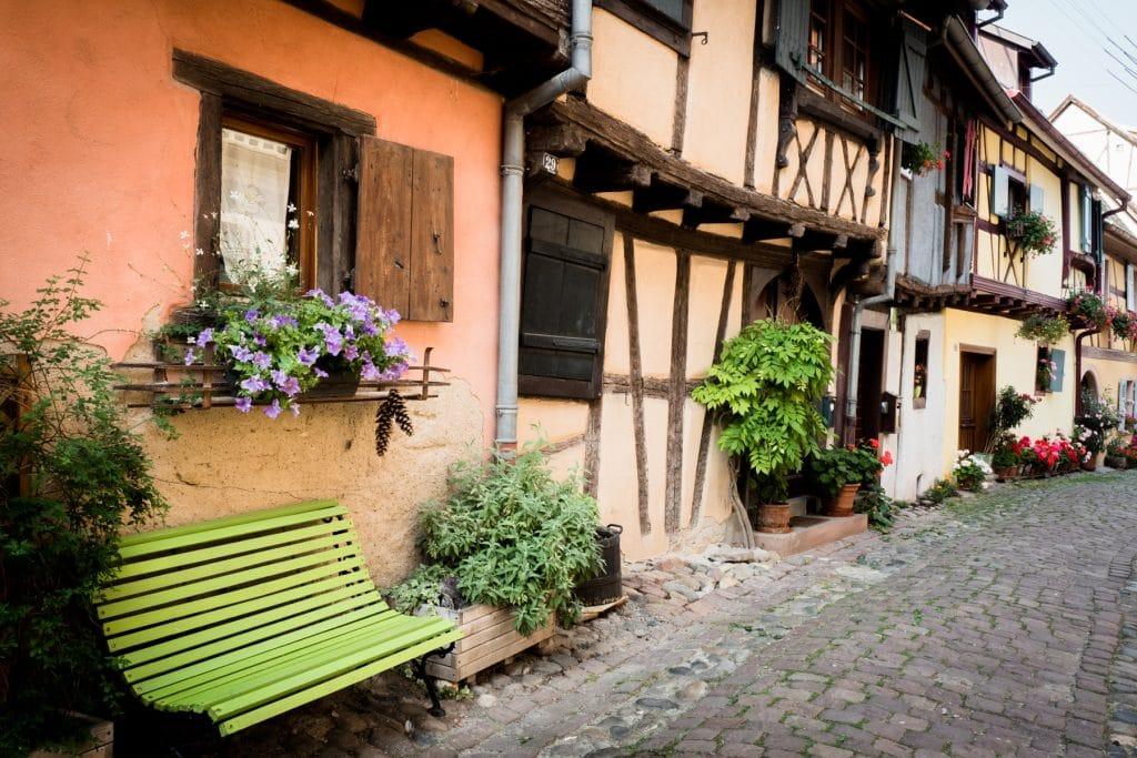 beau village alsace- plus beau village d alsace - village typique alsace-alsace village a visiter-, vosges, route des vins, vignobles, eguisheim