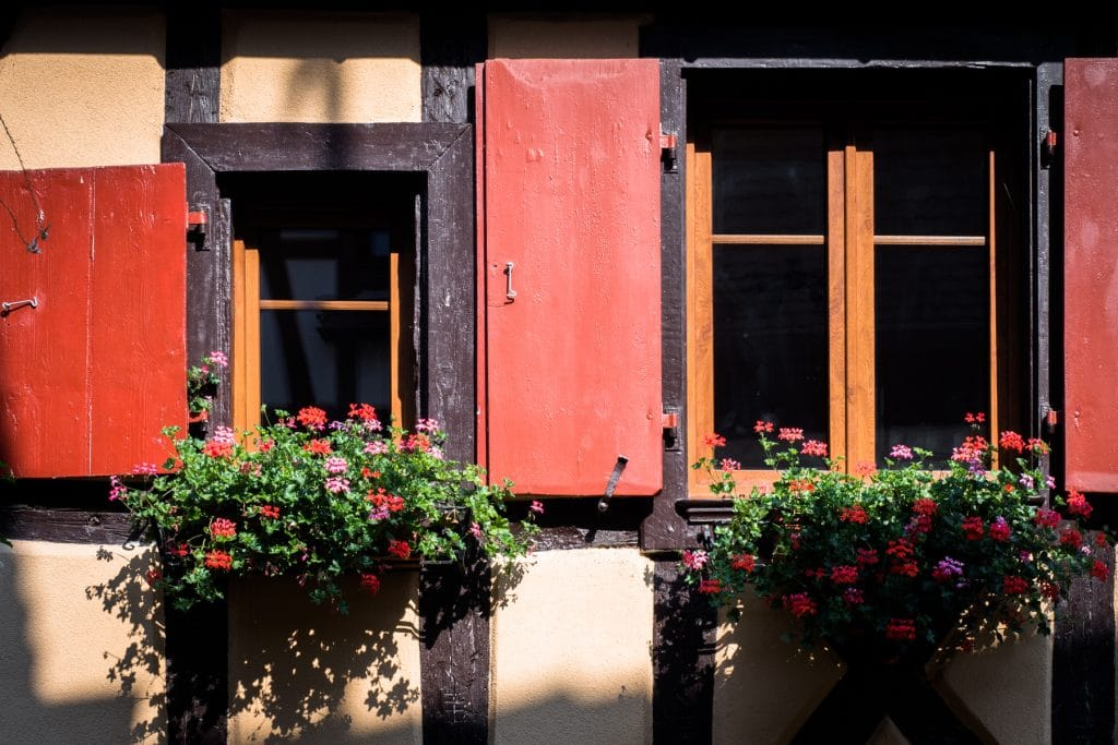 beau village alsace- plus beau village d alsace - village typique alsace-alsace village a visiter-vosges, route des vins, vignobles, eguisheim