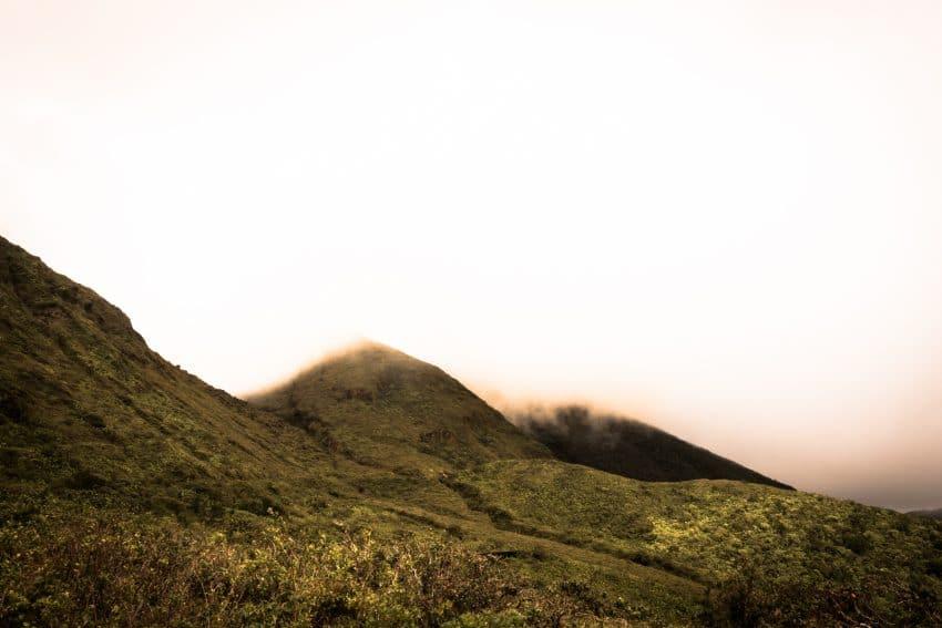 randonnée la soufrière - volcan Antillais de la soufrière dans les Antilles