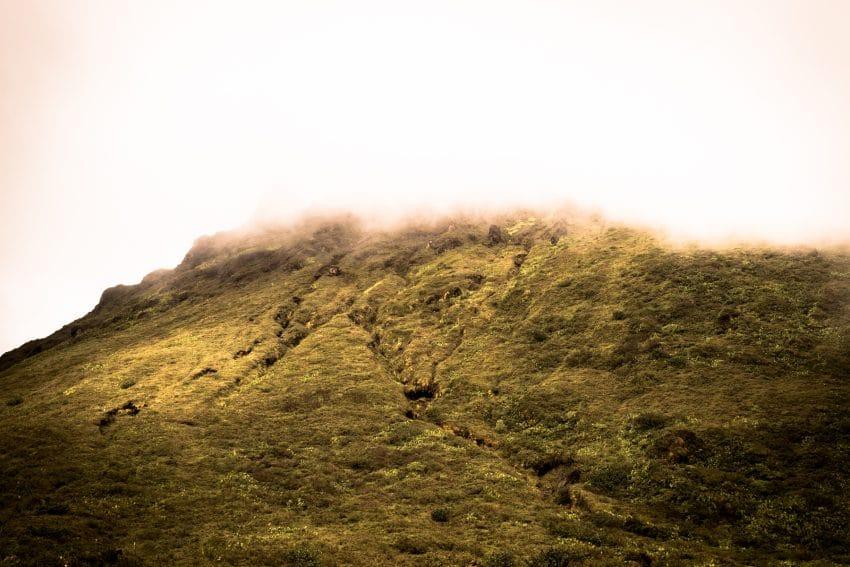 randonnée la soufrière - volcan Antillais de la soufrière en Guadeloupe - Photo Antilles