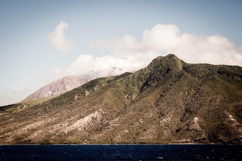 la soufrière Guadeloupe - voyage aux antilles - ile de montserrat
