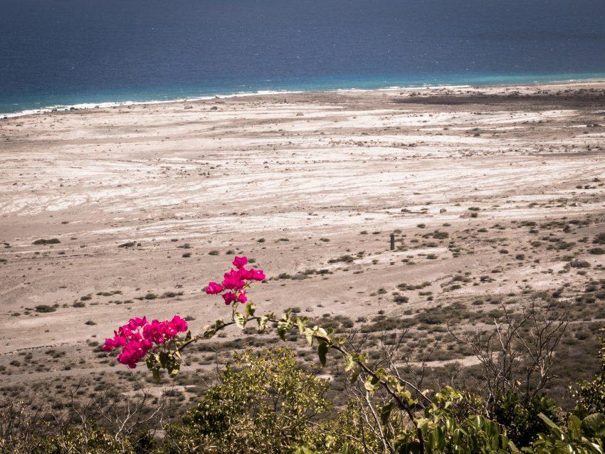 plage caraibes - la soufrière randonnée - ile de montserrat aux antilles