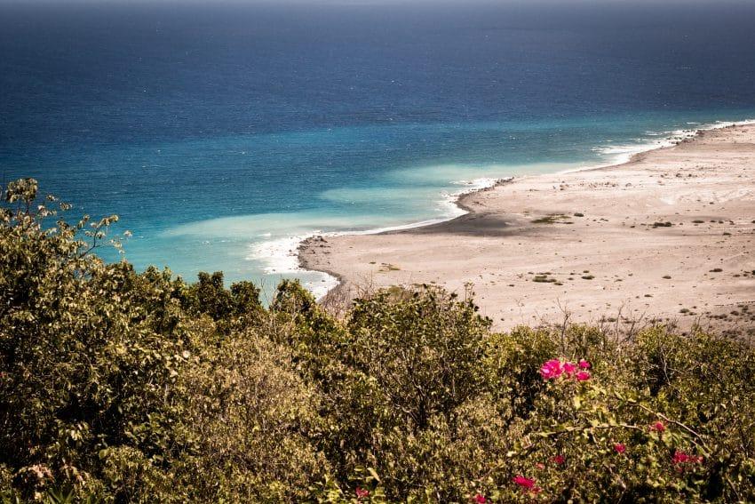 plage caraibes - la soufrière randonnée - ile de montserrat antilles