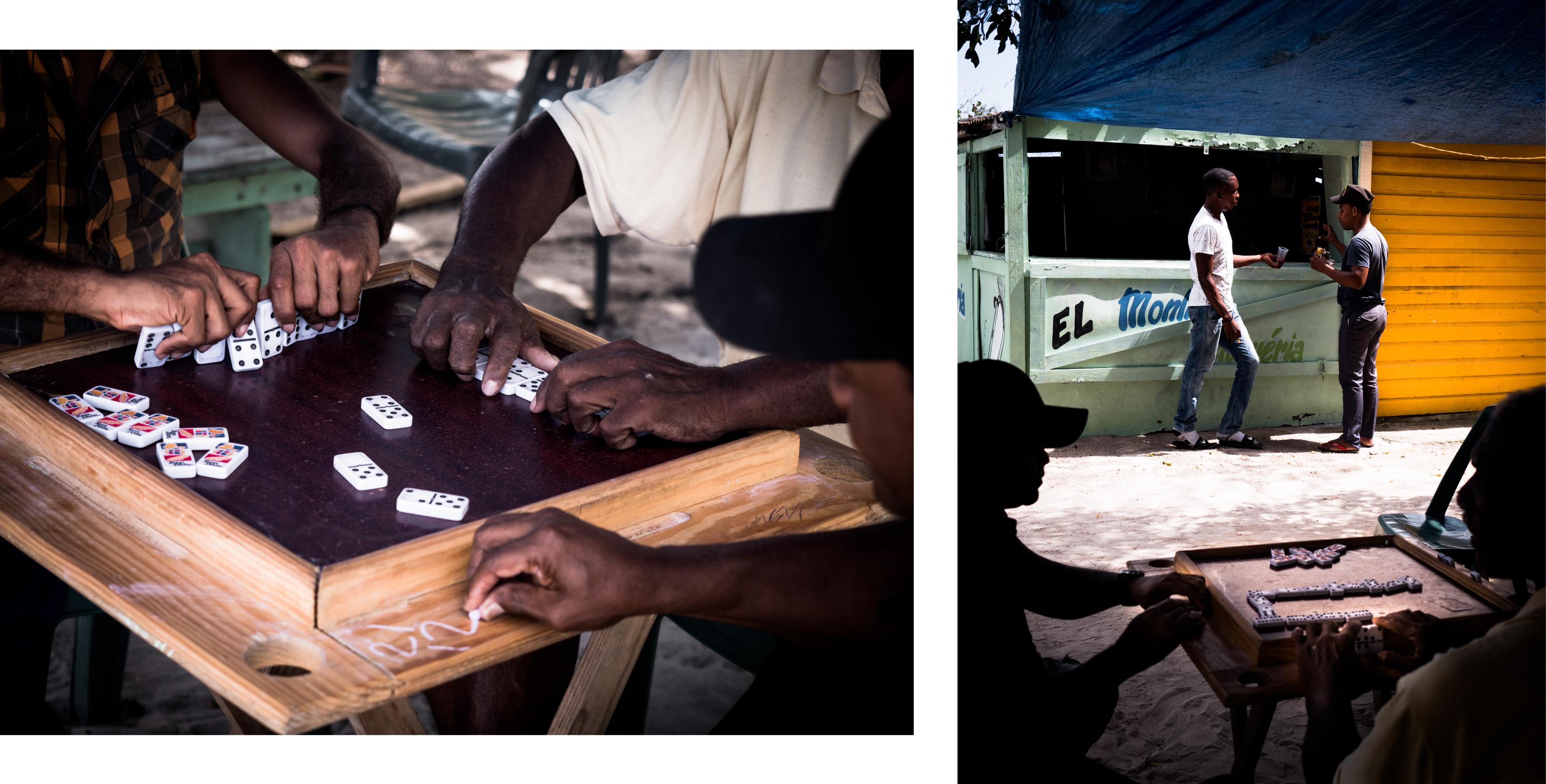 plage caraibes -joueurs de dominos - photo de la mer des caraibes-plage saona republique dominicaine - mano juan