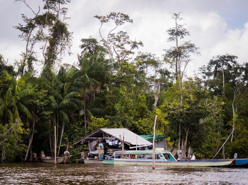 Fleuve Saint Laurent du Maroni  - bushinengué Guyane - voyage amazonie - photo guyane française - photo amazonie