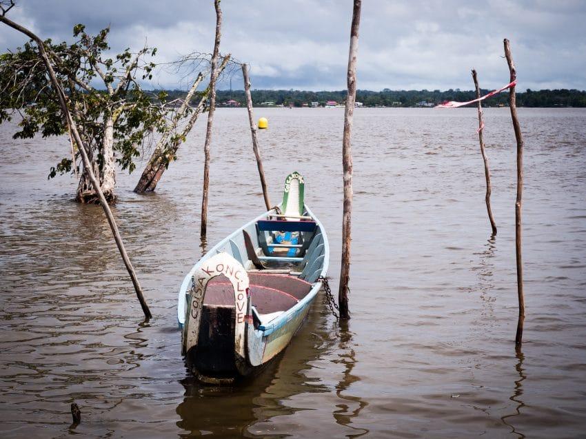 guyane Amazonie ; rive du maroni, fleuve st laurent