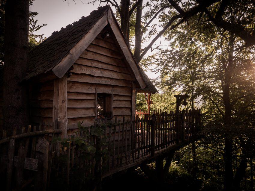 dormir dans une cabane dans les arbres en Alsace, hébergement insolite en Alsace