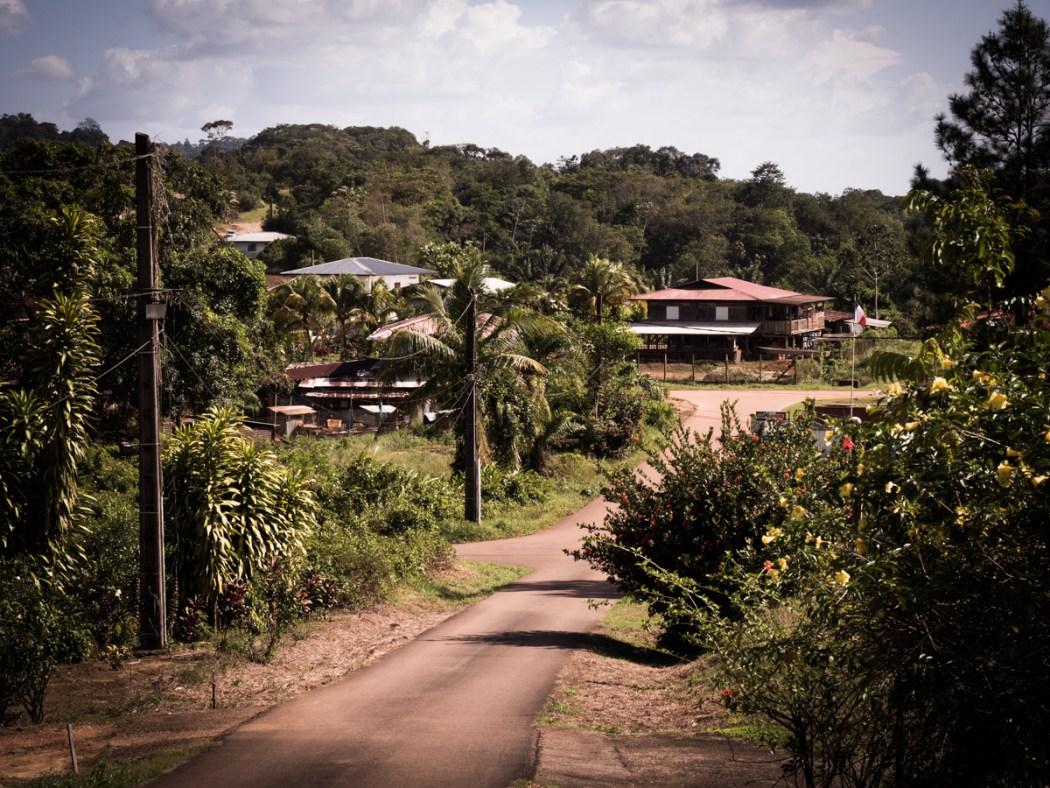 découvrir la Guyane - village Hmong en Guyane